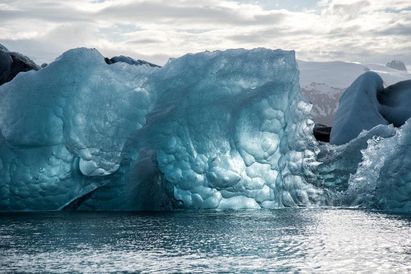 Isblok i havet
